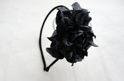 Черная роза своими руками