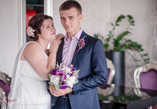 Наши невесты - Виктория! Прическа-пучок с шелковой розой.