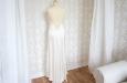 Платье длинное из натурального шелка с накидкой из кружева. Фото 2.