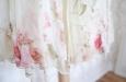 Платье короткое с розовыми цветами из натурального шелка. Фото 4.