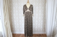 Длинное платье с цветочным узором из натурального шелка. Фото 1.
