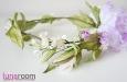 Венок для волос с розами и весенними цветами. Фото 4.