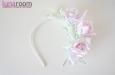 Ободок для волос с тремя розами. Фото 1.
