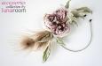 """""""Жози"""" шляпка-ободок с розой из шелка и пером павлина. Фото 2."""